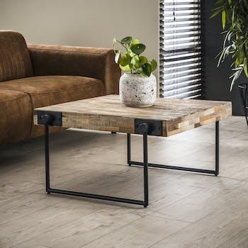 Table basse carree en bois recycle et metal de style contemporain