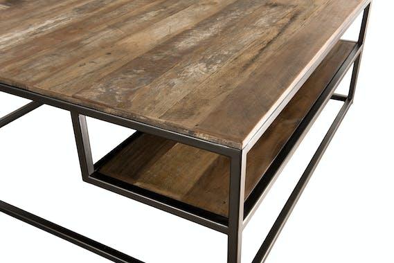 Table basse carree destructuree en bois recycle et metal de style contemporain