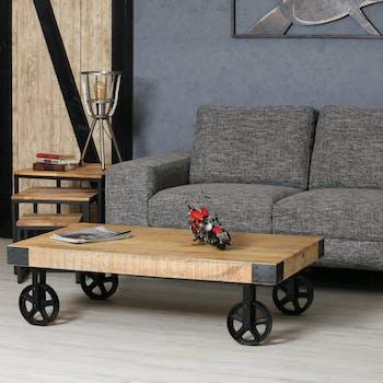 Table basse en bois et metal avec roulettes de style indutriel