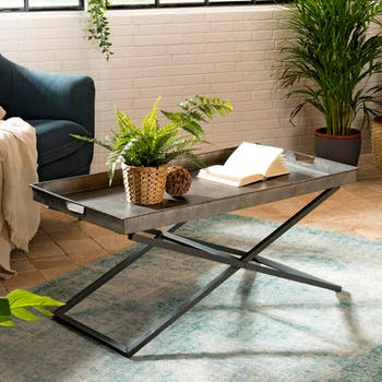 Table basse rectangulaure en metal vieilli de style industriel