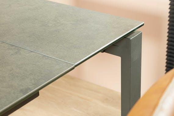 Table a manger extensible en ceramique grise style contemporain