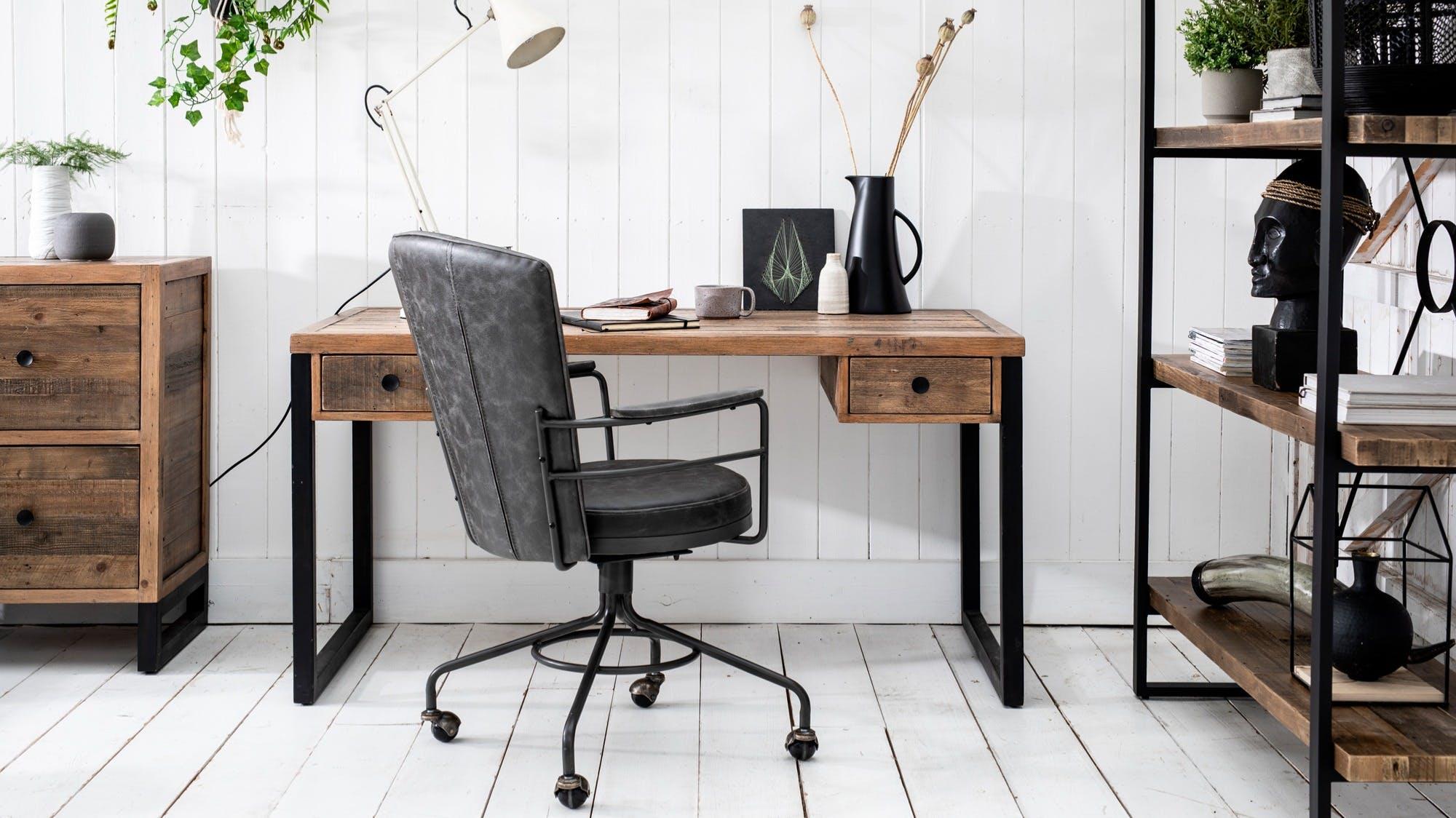 Mobilier de bureau : bureaux, fauteuils...