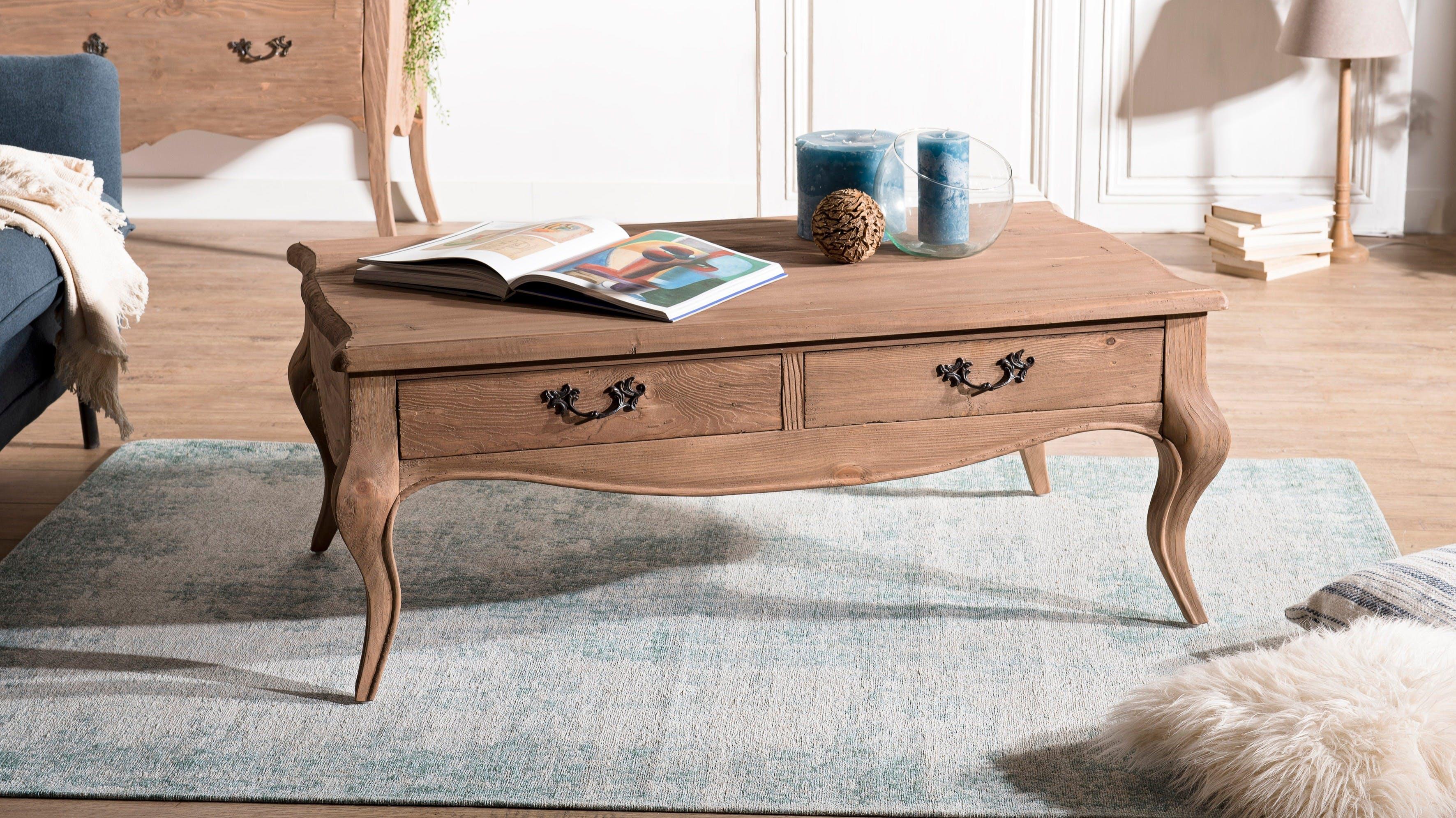 Tables basses en bois recyclé : double plateau, sur roulettes...