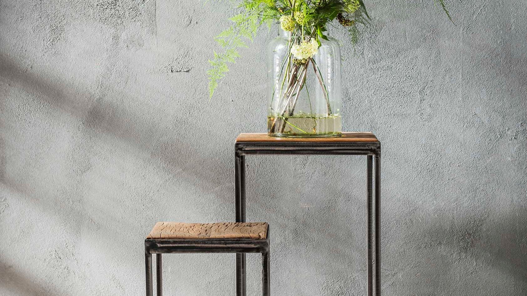 Sellettes et tables d'appoint en bois recyclé : ronde, carrée...