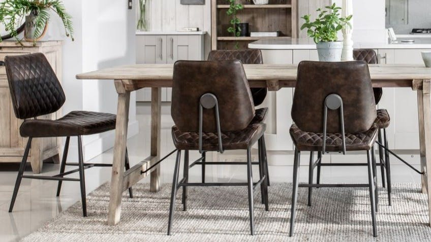 Fauteuils de table et chaises : tissu, bois...