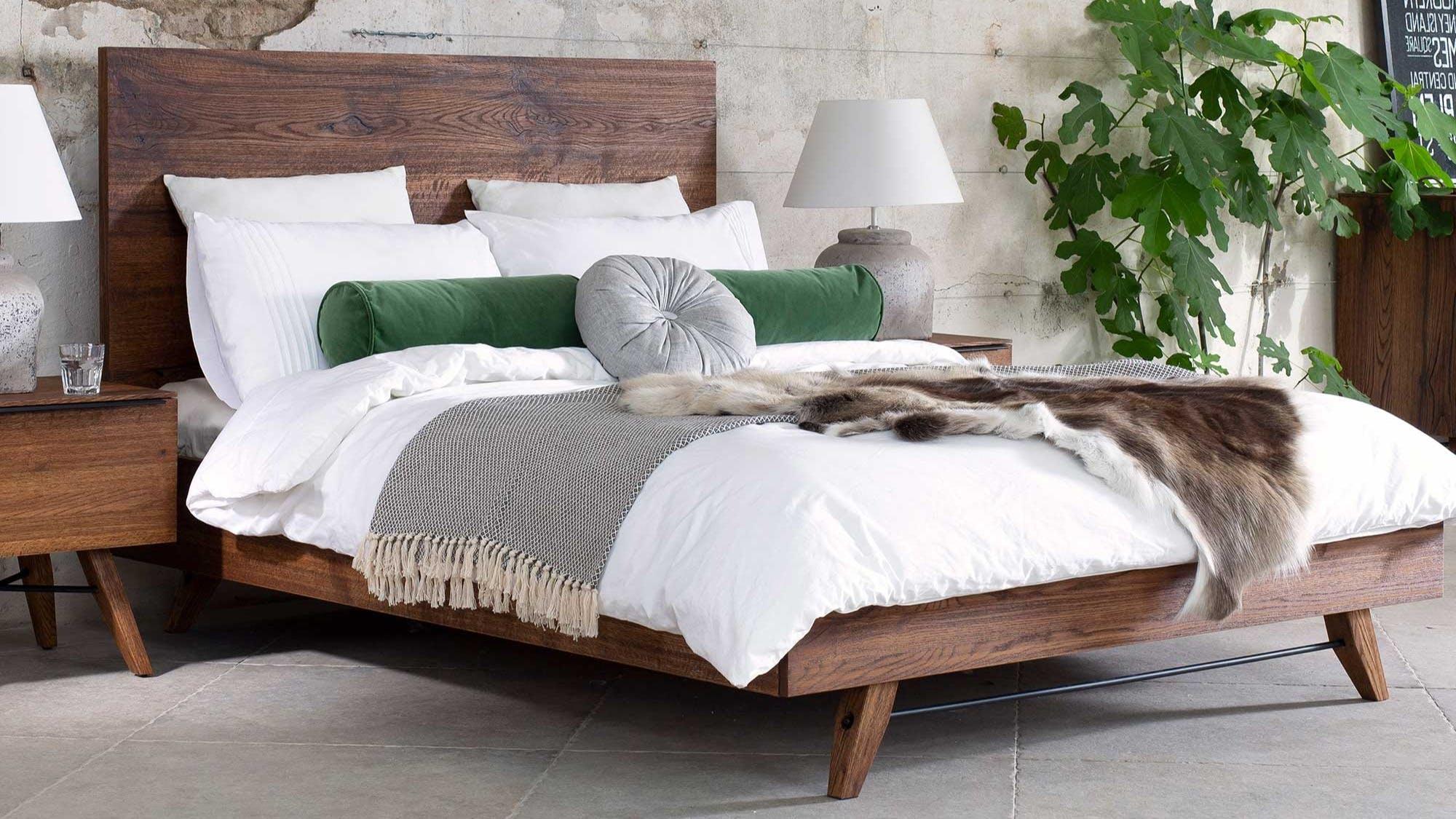 Meubles de chambre : lits, commodes, armoires...