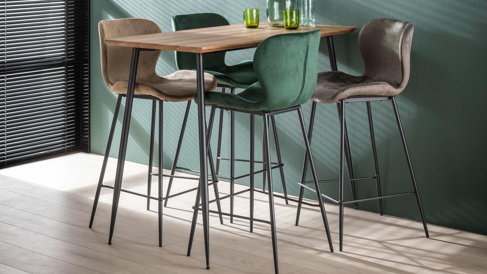 Tabourets de bar, chaises de bar : industriels, vintage...