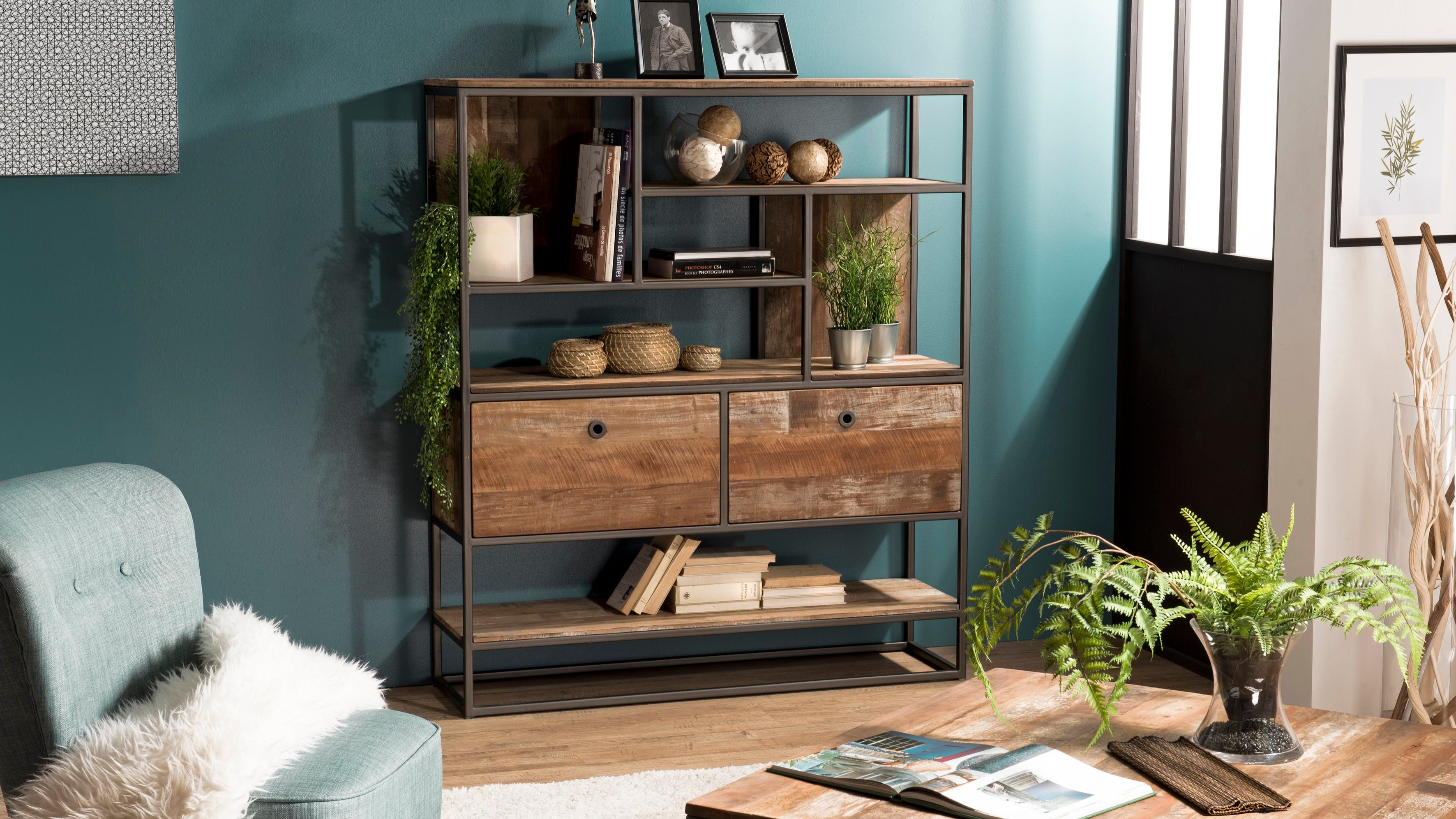 Bibliothèques en bois recyclé : vitrine, étagère...
