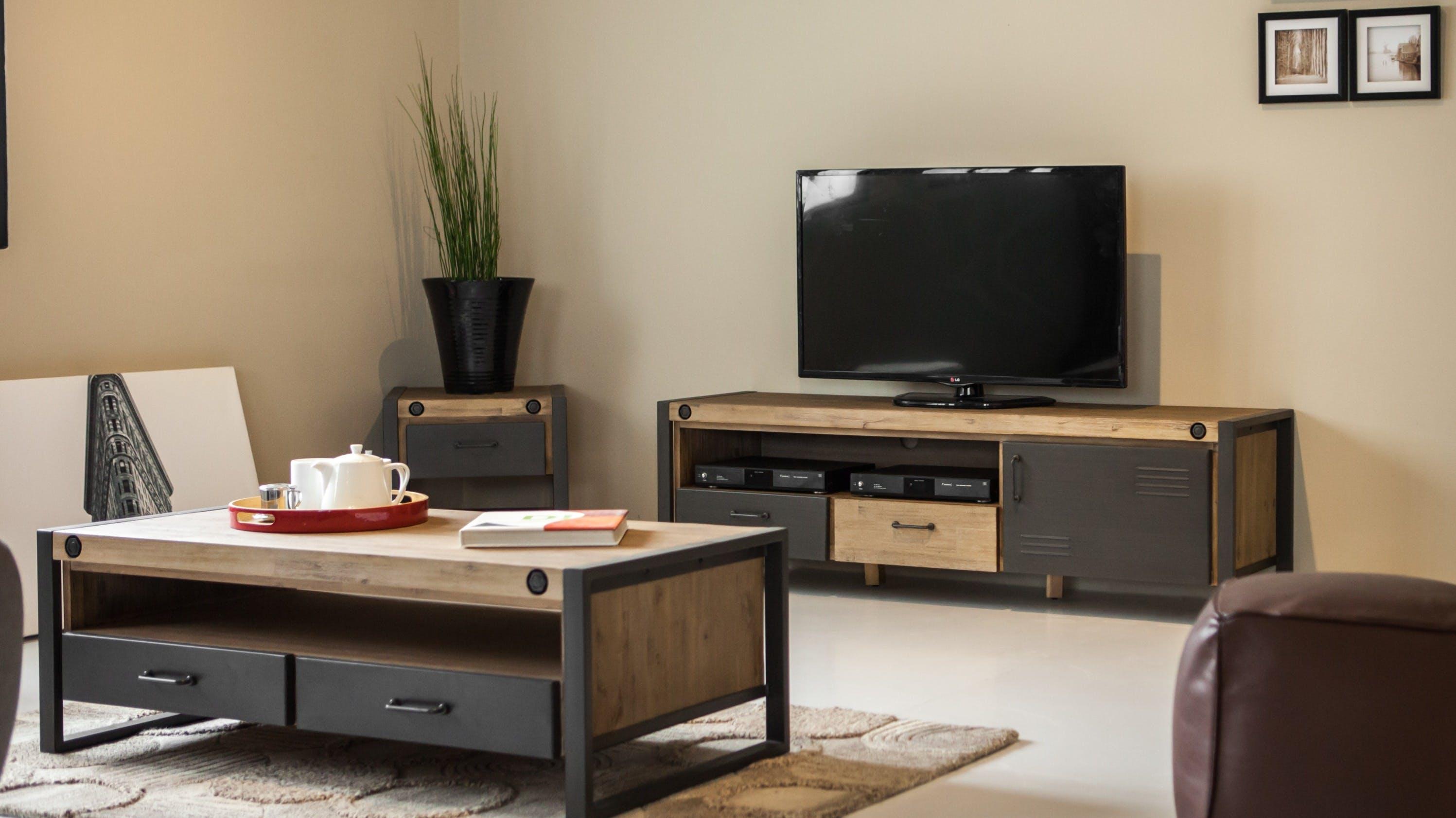 Meubles TV en bois recyclé : en teck recyclé, en hévéa recyclé...