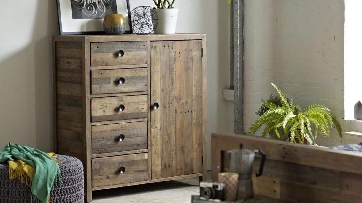 Armoires et penderies en bois recyclé : scandinave, vintage...