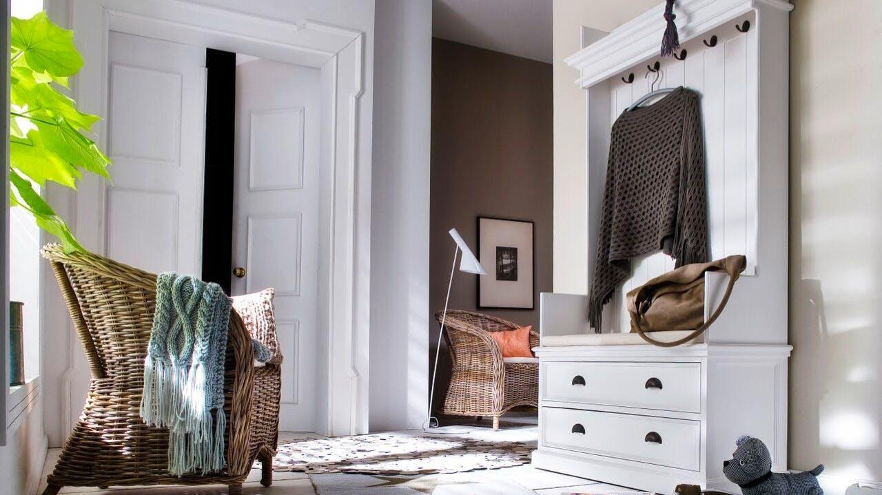 Vestiaires et meubles à chaussures en bois recyclé : avec tiroirs, avec patères...