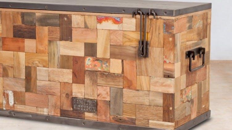 Coffres de rangement en bois recyclé : exotique, industriel...