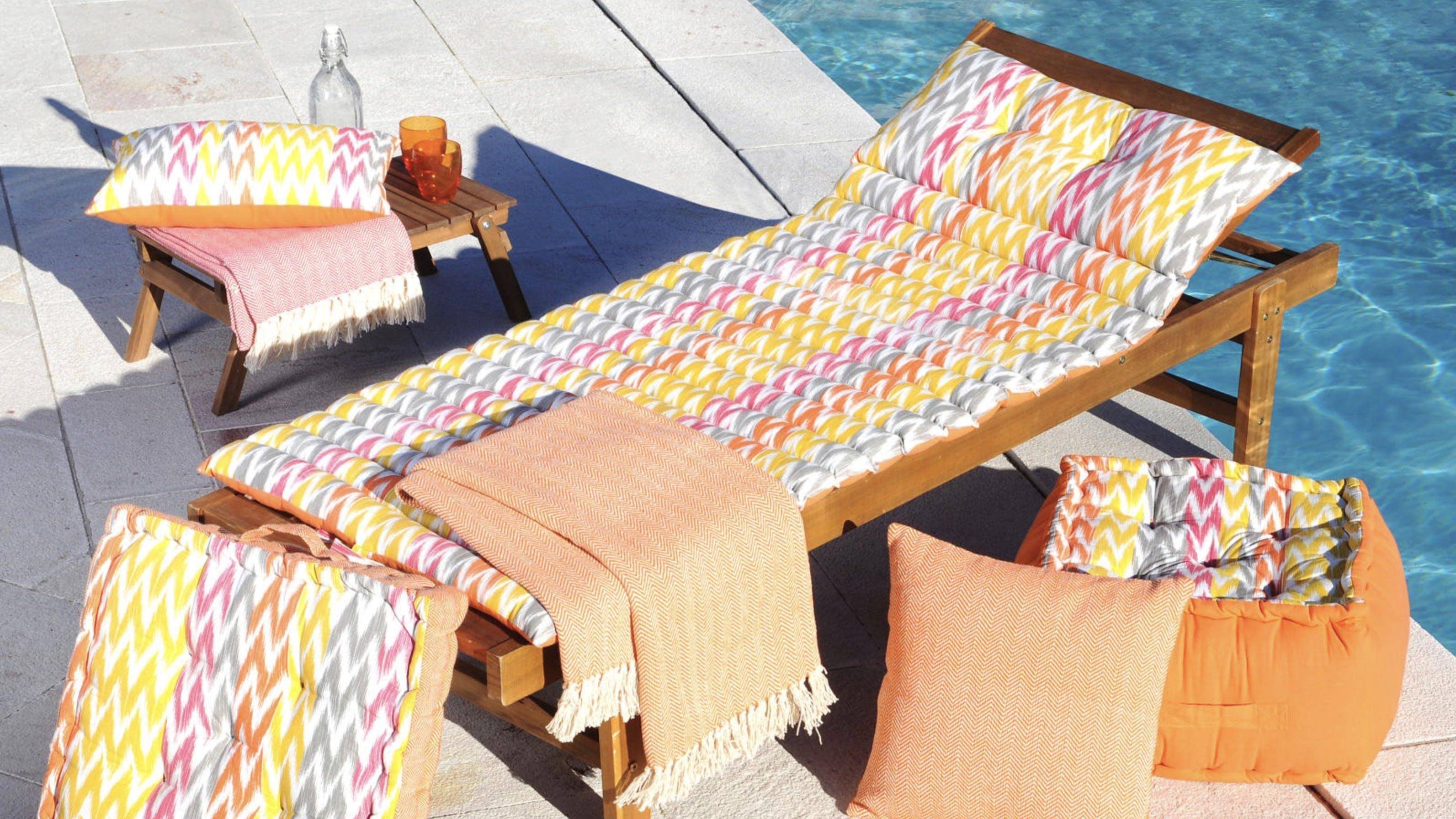 Coussins d'extérieur, matelas pour bains de soleil : unis, à motifs...