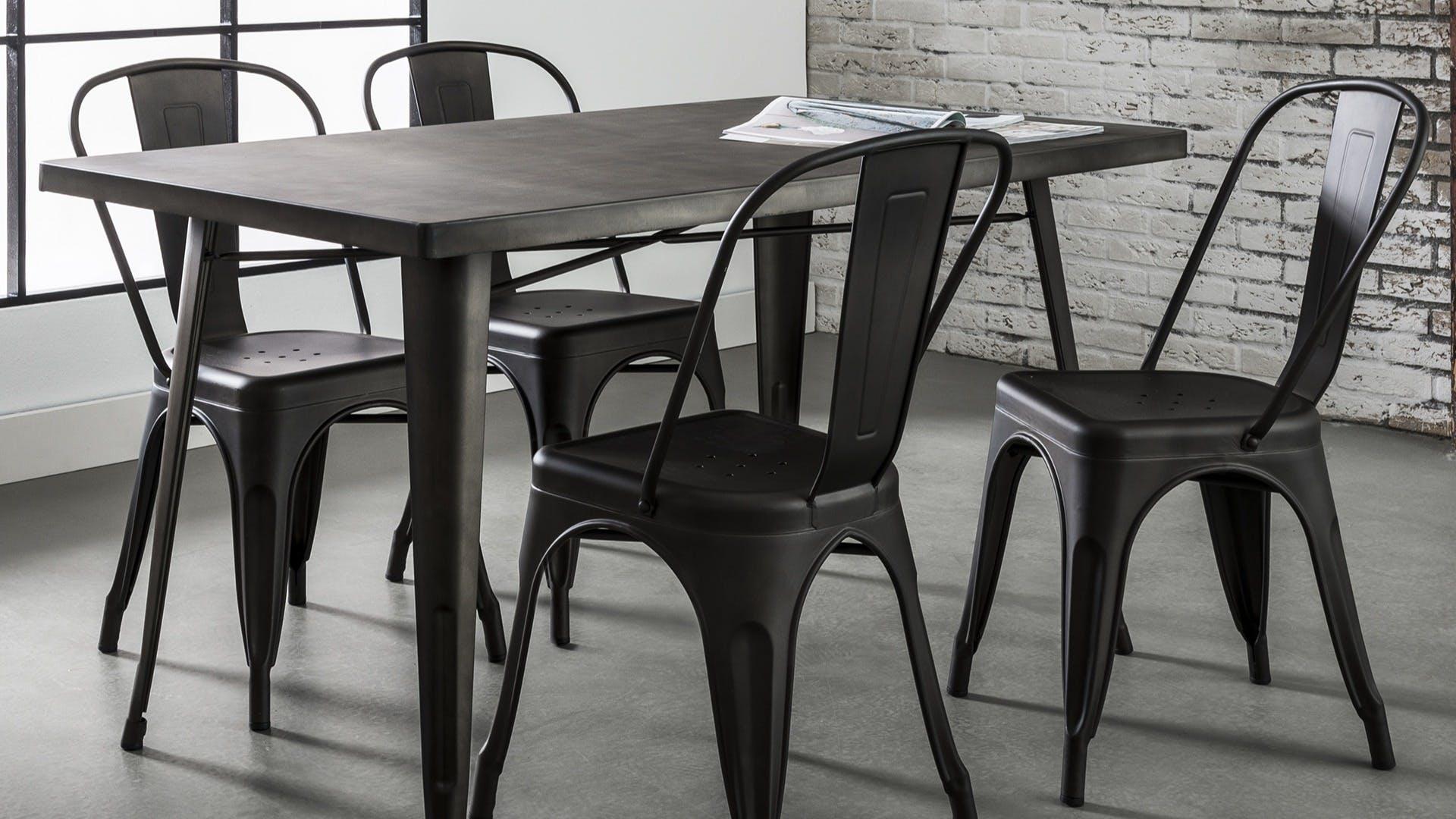 Meubles en métal : table basse, meuble tv...