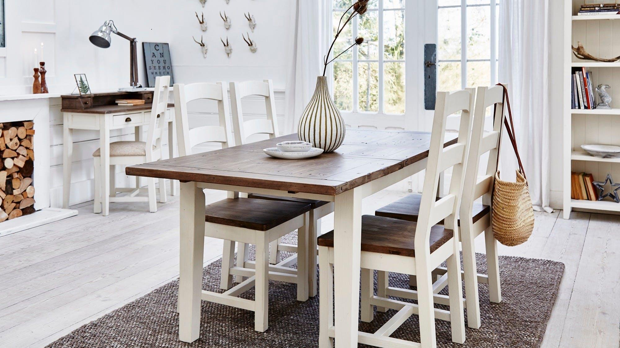 Meubles de salle à manger : table à manger, buffet...