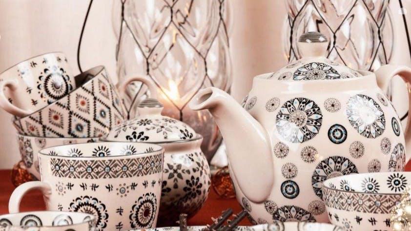 Théières : en fonte, en porcelaine...